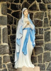 Римско-католический костёл Св. Юрия. Статуя девы Марии